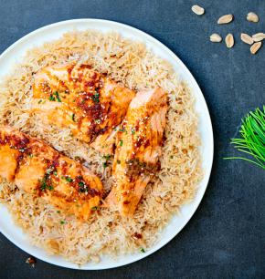 Salmón teriyaki con arroz