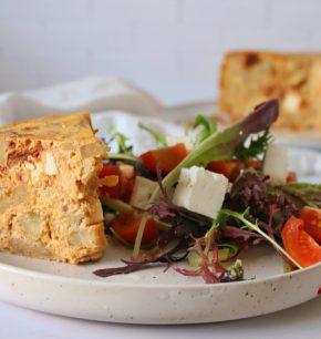 Frittata de alcachofas, tomates deshidratados y queso de cabra
