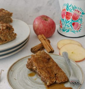 Budín de pan a la francesa de manzana y canela