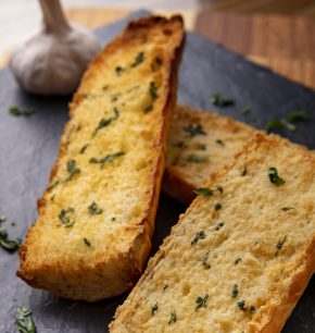Pan con ajo y perejil