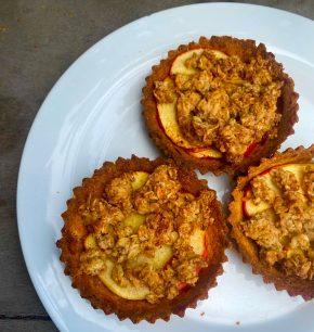 Tartaletas de crumble de manzana