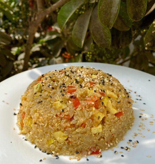Chaufa de quinua y coliflor