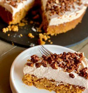 Cheesecake de calabaza con nueces garrapiñadas
